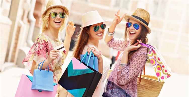 当下最IN的时尚单品、三大流行趋势及亚马逊热卖商品